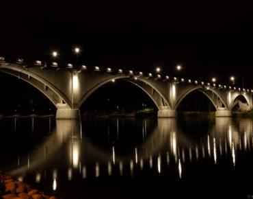 Leksandsbron vit belysning